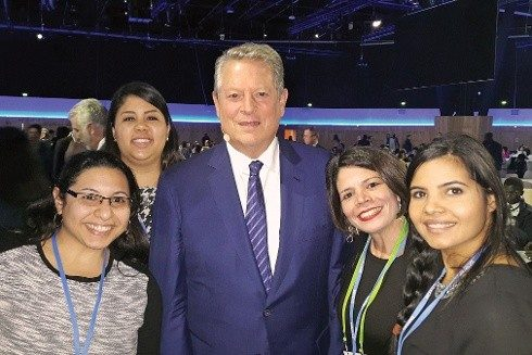 Students with Al Gore
